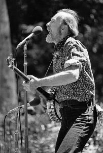 Pete Seeger, Stern Grove, San Francisco CA 8/6/78..© Brian McMillen .www.brianmcmillenphotography.com https://creativecommons.org/licenses/by-sa/4.0/deed.en